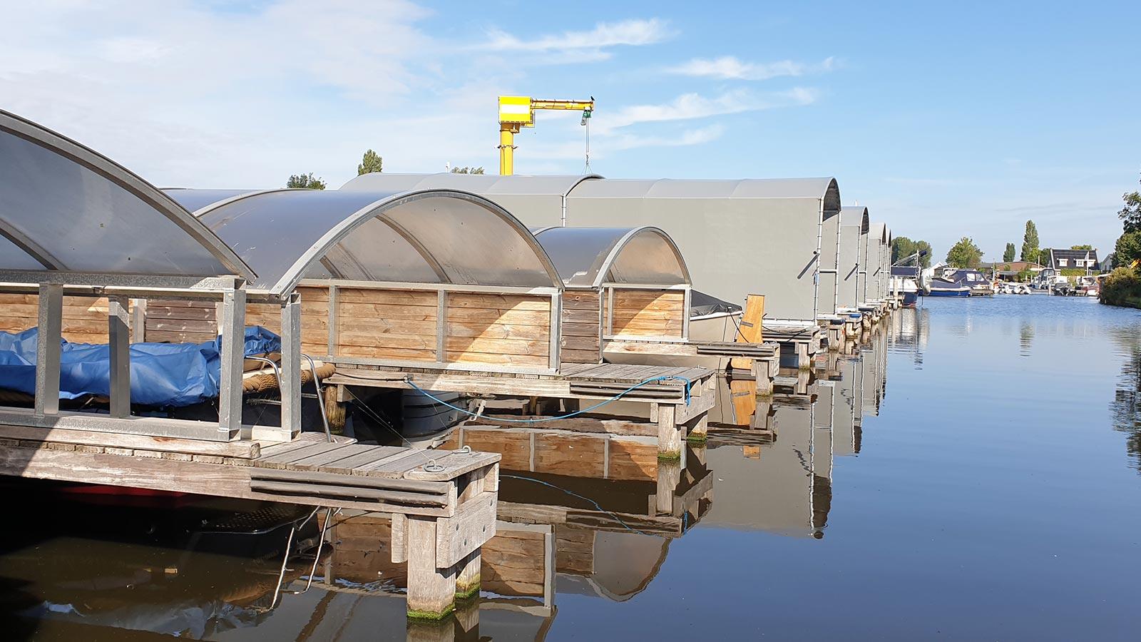 Jachthaven Otto - Overdekte botenhuizen